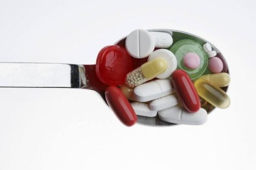 昆明白斑治疗费用:白癜风用药物治疗好吗?